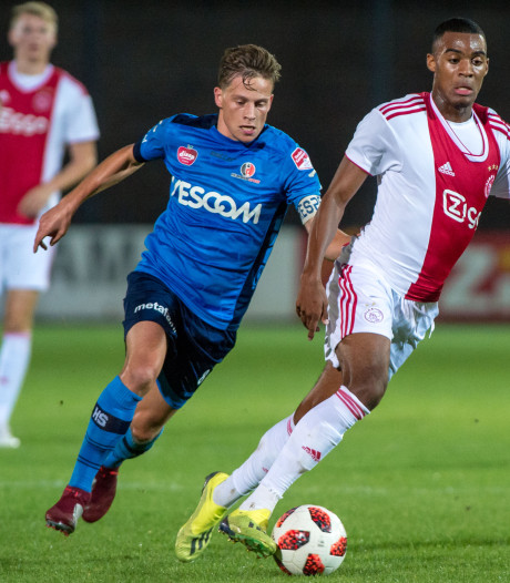 Dani de Wit leidt Jong Ajax langs Helmond Sport