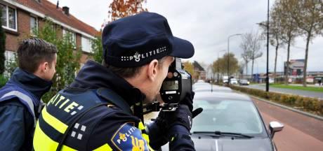 Twee automobilisten in Oost betrapt op hardrijden na bewonersklachten