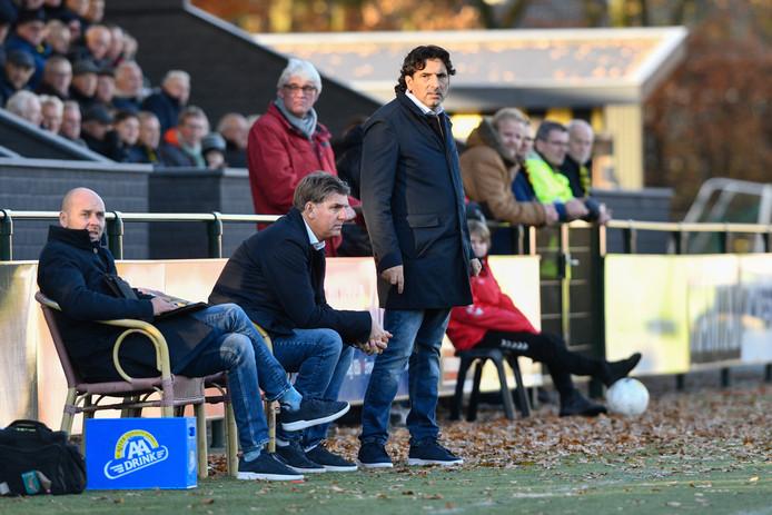 Simon Ouaali zag zijn ploeg verliezen van Stedeco.