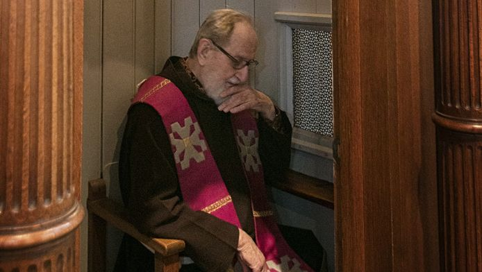 Pater Amantius (90): 'Ik ben toehoorder, geen rechter.'