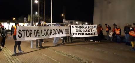 Rustige demonstratie tegen de lockdown en avondklok in Goes