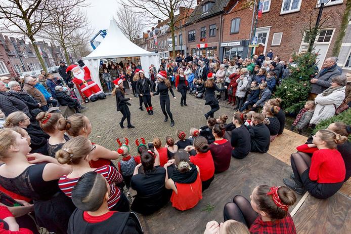 De Zevenbergse actie voor 3FM Serious Request, Living in a Box, had enkele verenigingen over de vloer, zoals balletschool Tamara. De grote publiekstrekker zondagmiddag.