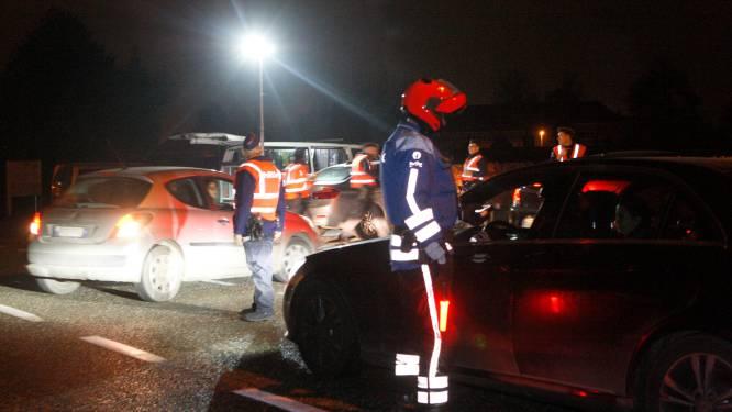 Twee bestuurders die te diep in glas gekeken hebben moeten rijbewijs zes uur inleveren
