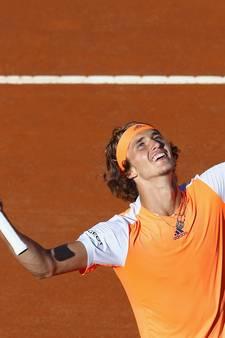 Zverev in drie sets naar de finale in Rome