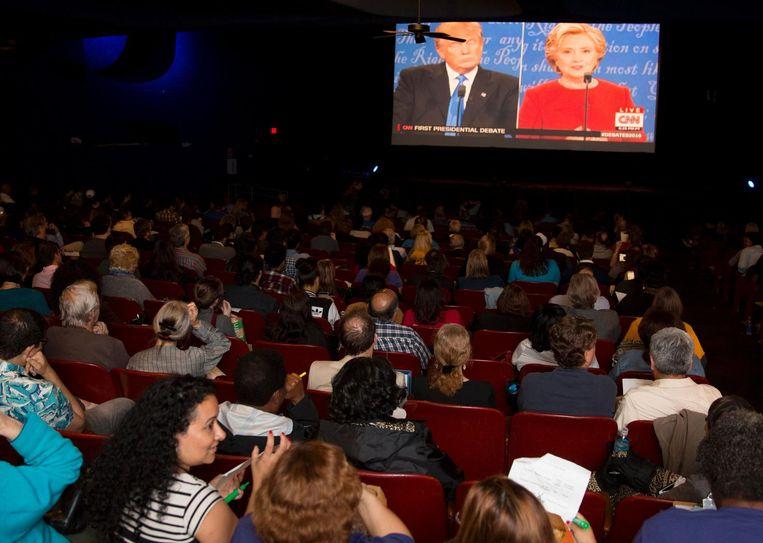 Publiek volgt het debat tussen Trump en Clinton in Dallas, Texas. Beeld afp