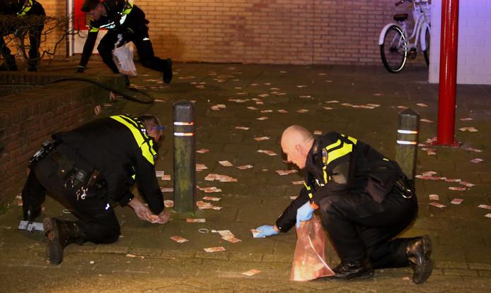 Agenten rapen geld op bij de Bossche Klokkenlaan.
