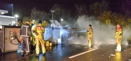 Politie heeft dader op het oog voor brandjes in containers aan de Vlijtseweg in Apeldoorn