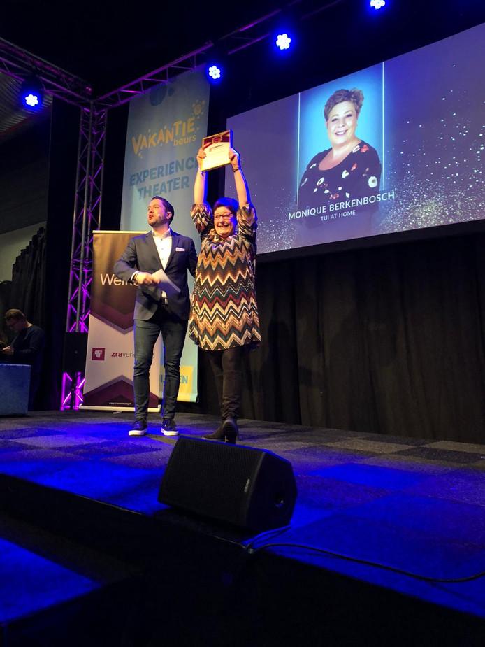 Monique Berkenbosch uit Borne gekozen tot beste zelfstandig reisagent van Overijssel.