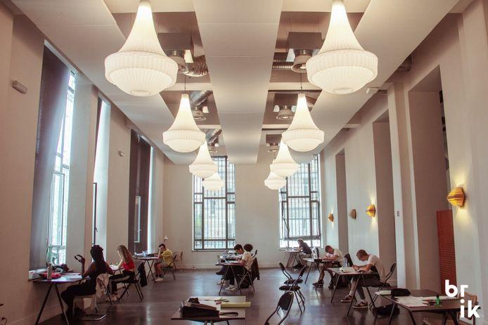 VGC maakt middelen vrij om tot eind juni 2021 een 'Pop-up Study Space' in het centrum van Brussel open te houden.