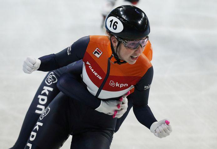 Lara van Ruijven wordt in Sofia wereldkampioen op de 500 meter.