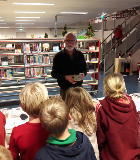 Kindercollege in bieb Groesbeek over fossielen