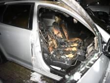Opnieuw auto in brand gestoken in Hoograven