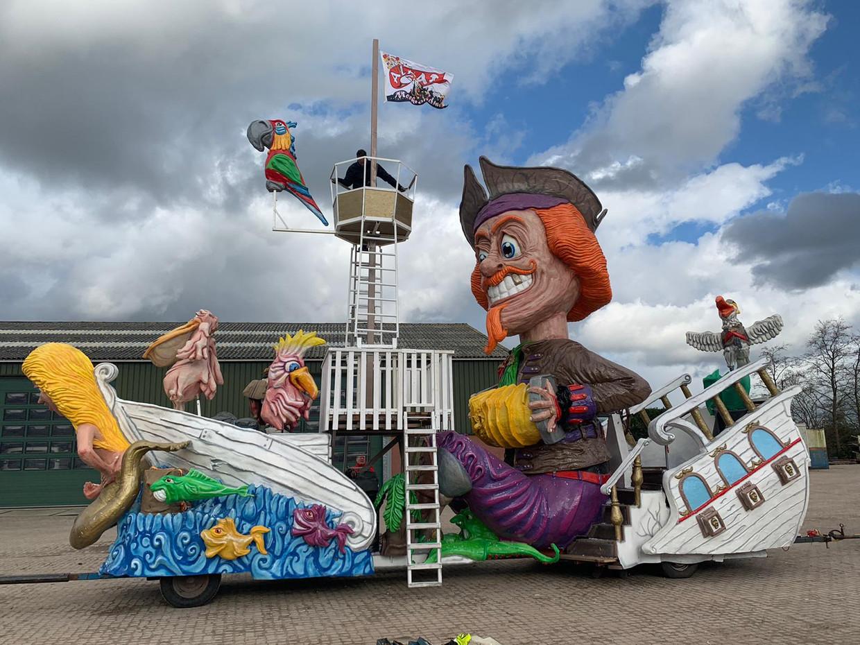 De prinsenwagen van carnavalsvereniging de Meekrap uit Stampersgat. Beeld Remko Verstraten/Pliessie Kobus