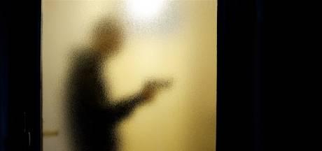 'Huisvriend' ontkent jarenlang uitbuiten verstandelijk beperkt stel