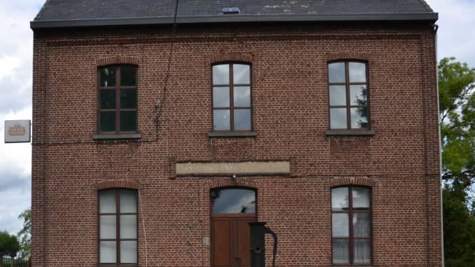 Renovatiewerken aan oud-gemeentehuis in Attenrode-Wever van start