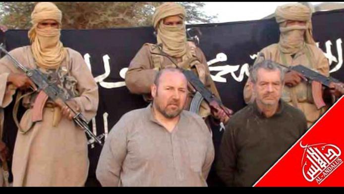 Un corps, susceptible d'être celui de l'otage français au Mali Philippe verdon, à droite, est actuellement en cours d'identification.
