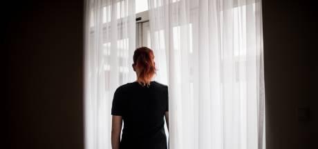 Ineens stond Arnhemse Jessica met haar zoon op straat: 'Ik kreeg gewoon geen hulp'