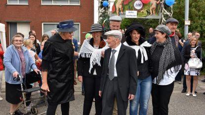 Buren en familie vieren 100-jarige Nelles