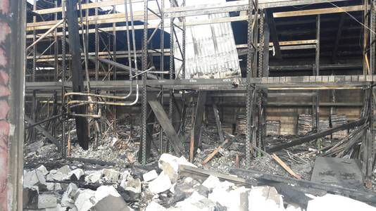 Zo ziet de loods achter Superkeukens eruit na de brand.