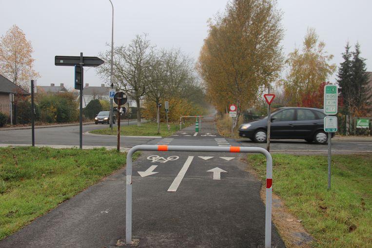 Archiefbeeld - De werken aan de fietssnelweg en de Kapellestraat liggen stil.