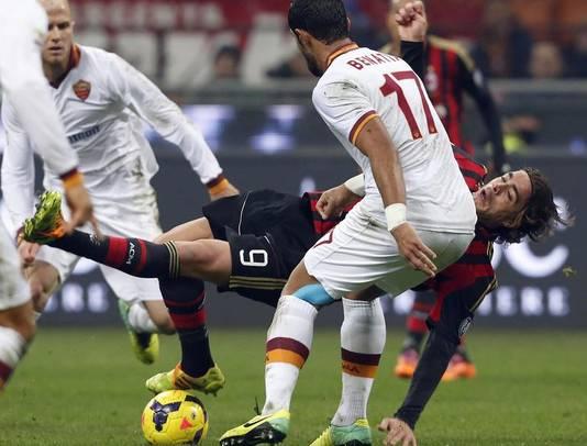 Alessandro Matri (vallend) in actie voor Milan.