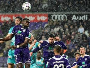 Une purge et un nouveau partage blanc pour Anderlecht contre Charleroi