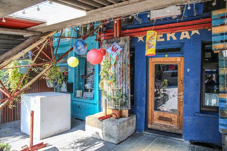 De ingang van het café moet een soort van 'instant happiness' teweegbrengen.