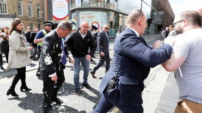 Werkstraf voor man die milkshake wierp naar Nigel Farage