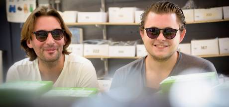 De zon als marketinginstrument voor 'cheapass' zonnebrillen