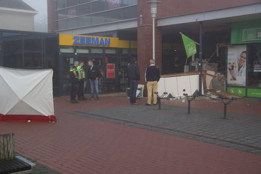 De ravage is groot na de plofkraak in Doetinchem.