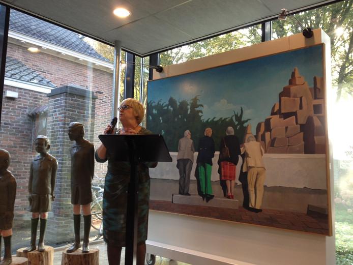 Jetty Eugster opende de expositie met Schijndelse kunst.