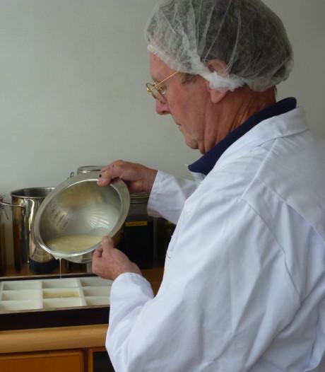 Het kostte hem 3,5 jaar, maar nu heeft Udenhouter Jos Schuurkes zijn eigen zeep ontwikkeld
