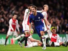Negental Ajax sleept punt uit het vuur in krankzinnig duel met Chelsea
