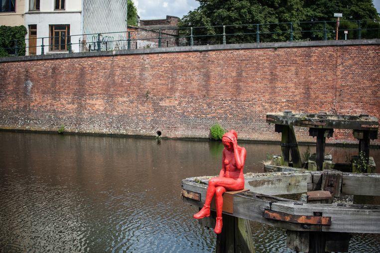 De Loreleie verhuist vrijdag van het staketsel aan de Slachthuisbrug naar het dak van het zwembad Van Eyck.
