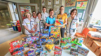 ToverBlokjes schenkt voor meer dan 500 euro aan Legoblokjes aan Jan Yperman Ziekenhuis