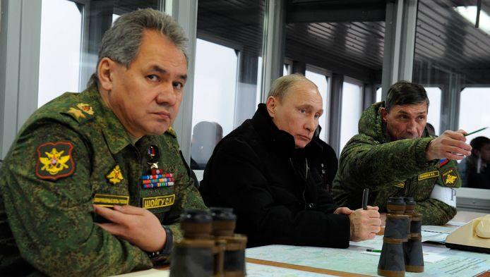Sergueï Choïgou, ministre russe de la Défense (à gauche) et Vladimir Poutine (archives).