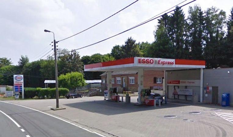 Wie tussen maandagnamiddag en dinsdagmiddag ging tanken bij deze Esso in Andenne, zit nu wellicht met een probleem.