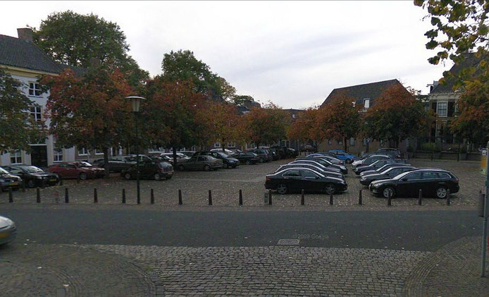 De parkeerplaats op het 's Gravenhof in Zutphen. (Bron: Google Street View)