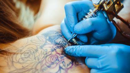 Helft van gecontroleerde tattooshops niet in regel