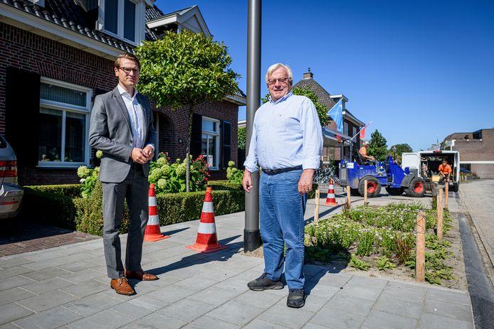 Harry Bloemen (rechts) en wethouder Jaimi van Essen