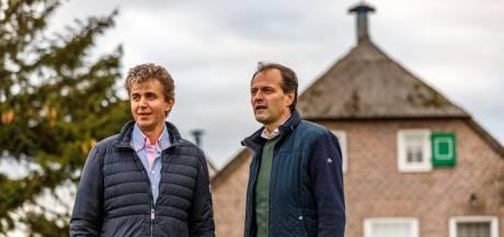 Vuurpijlen groot gevaar voor rieten daken boerderijen Staphorst