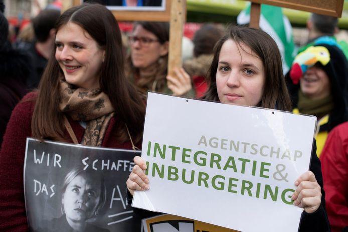 Actie van de werknemers van het Agentschap Integratie en Inburgering in gemeenschappelijk vakbondsfront. Archieffoto van januari vorig jaar.