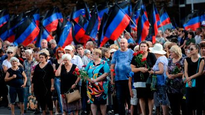Tienduizenden mensen nemen afscheid van pro-Russische rebellenleider in Donetsk