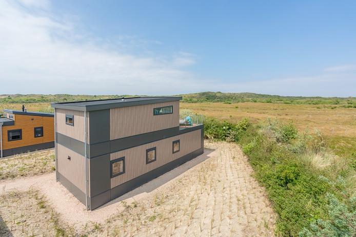 De hoogte van de zeechalets op camping De Julianahoeve in Renesse is 5,35 meter.
