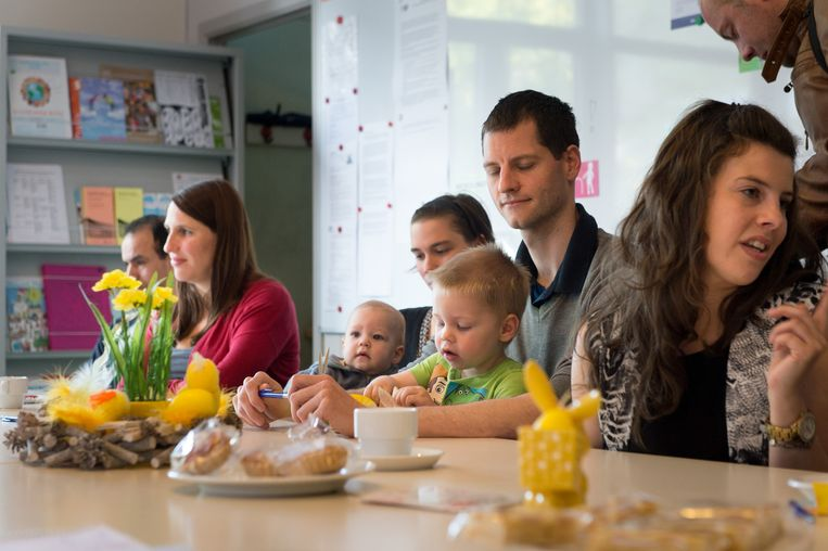 Enkele ouders die gisteren hun kinderen inschreven in Basisschool De Ham.