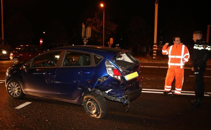 Het voertuig liep flinke schade op.