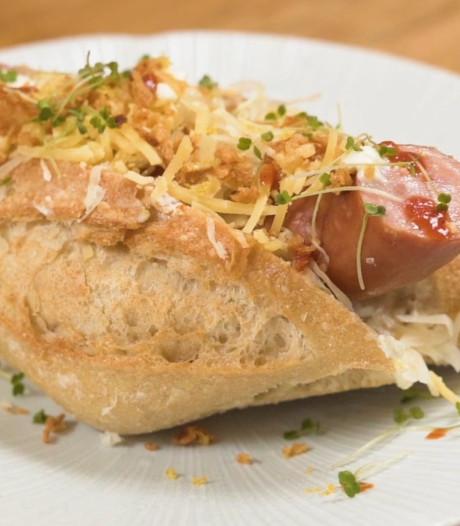 Het is Hotdog Dag en hier zie je hoe je zo'n heerlijk broodje zelf maakt