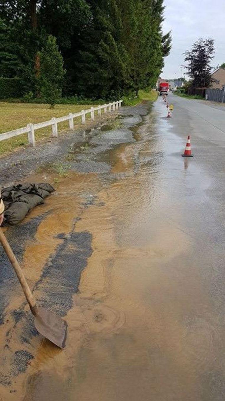 De voorbije weken zijn er al verschillende waterlekken geweest in Opdorp, onder ander in de Vierbunderstraat.