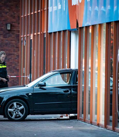 Politie houdt drie verdachten aan na ramkraak Coolblue op Europaplein Utrecht