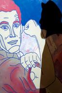 Jim Kievit maakt grafisch werk. Vormt bestaande beelden om tot iets anders, met een kwinkslag. Het vrouwteken als tatoeage bijvoorbeeld.